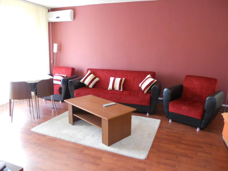 Apartament 2 cam DRUMUL SARII, pret inchiriere 300 EUR   <a href='http://www.kpimobiliare.ro/details/apartament-2-camere-drumul-sarii-300-eur-inchiriere-kpa0488' style='text-decoration:none;'><span style='color:#d89f2a;font-weight:bold;'>...detalii</span></a>
