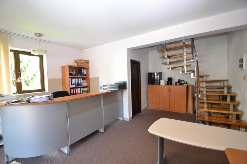 Apartament in vila 4 cam 1 MAI, pret inchiriere 1,100 EUR   <a href='http://www.kpimobiliare.ro/details/apartament-in-vila-4-camere-1-mai-1,100-eur-inchiriere-kpa6343' style='text-decoration:none;'><span style='color:#d89f2a;font-weight:bold;'>...detalii</span></a>